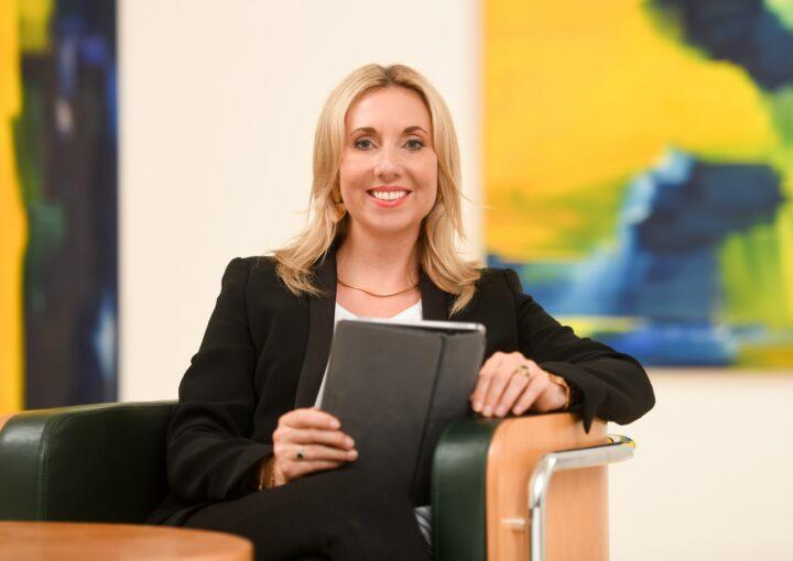 Anna Stolz, Staatssekretärin im Bayerischen Staatsministerium für Unterricht und Kultus. Foto: Tobias Hase / stmuk